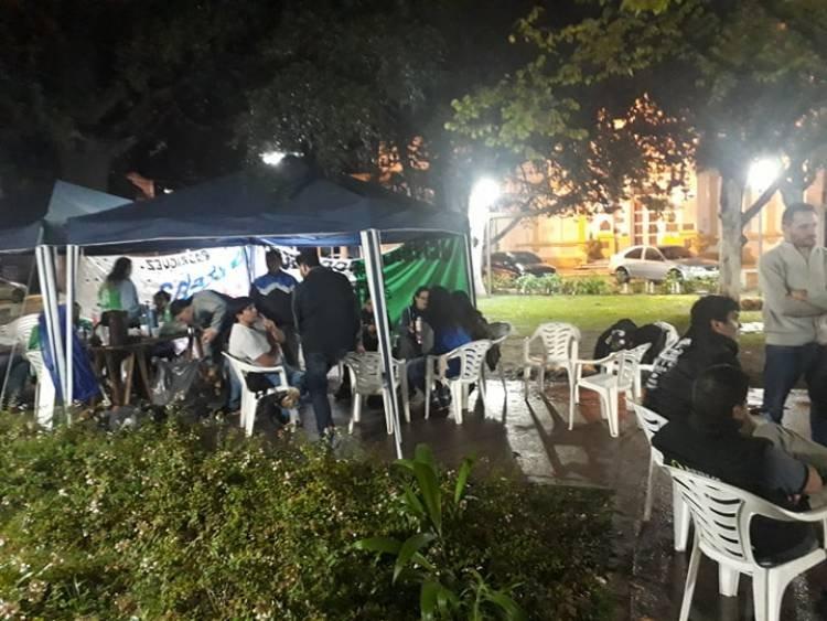 CTA DE LOS TRABAJADORES JORNADA DE VIGILIA Y ACAMPE.